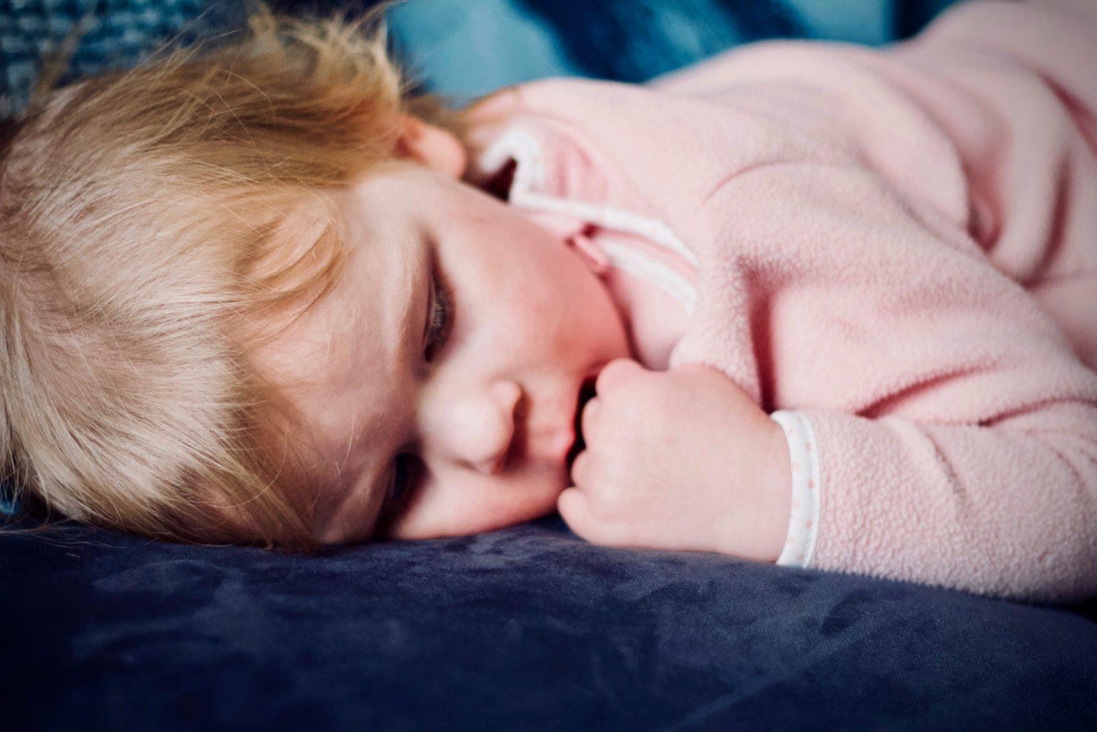 los niños duerman solos